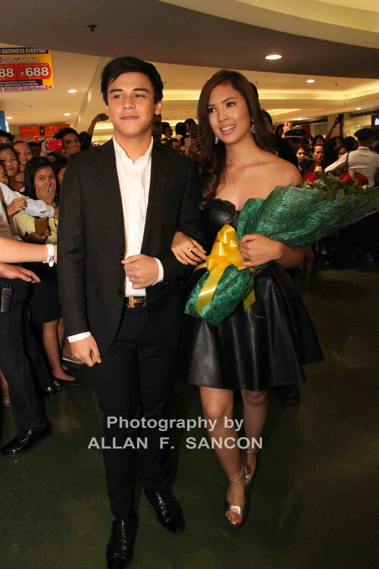 Khalil Ramos and Sofia Andres | Starmo Gallery Bruce Willis Die Hard