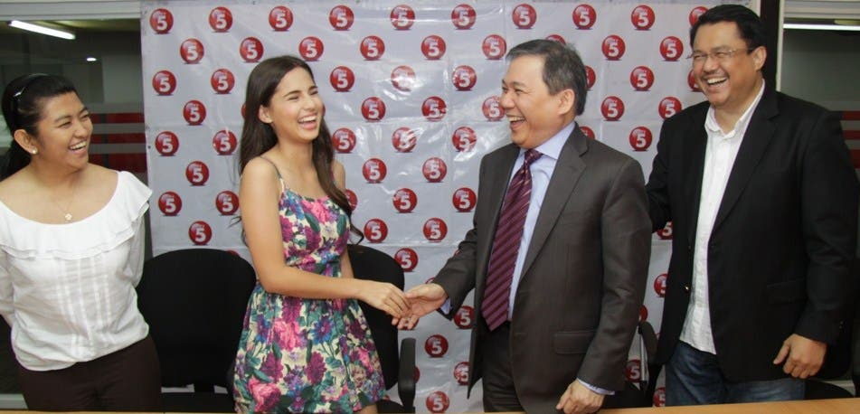 L-R Jasmine's manager Betchay Vidanes, Jasmine Curtis, TV5 President and CEO Atty. Ray C. Espinosa, EVP and COO Roberto Barreir