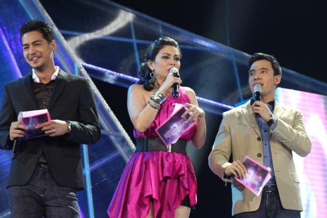 Zanjoe Marudo, Kaye Brosas and Erik Santos- Photo by Allan Sancon