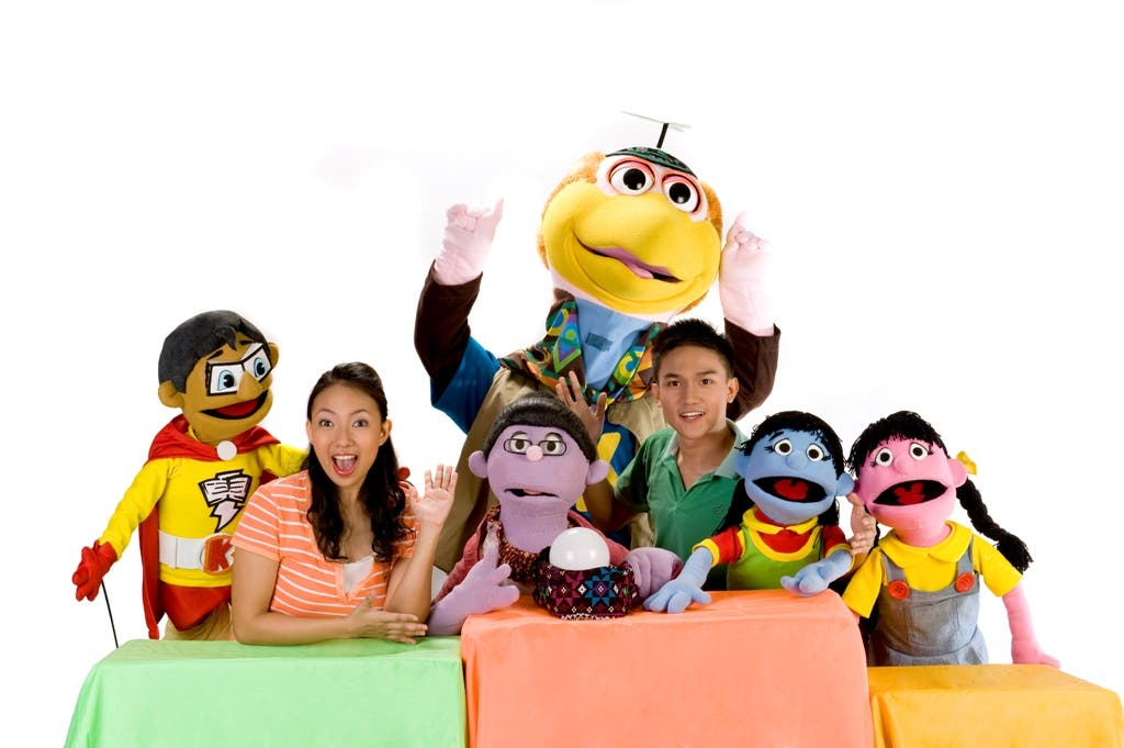 Muppets and hosts with Koko Kwik Kwak