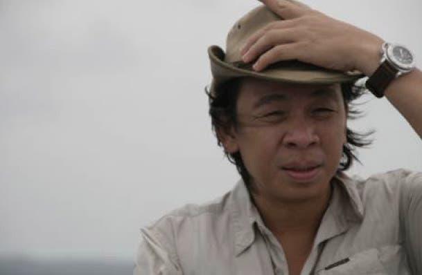 Kuya Kim searches for the butanding