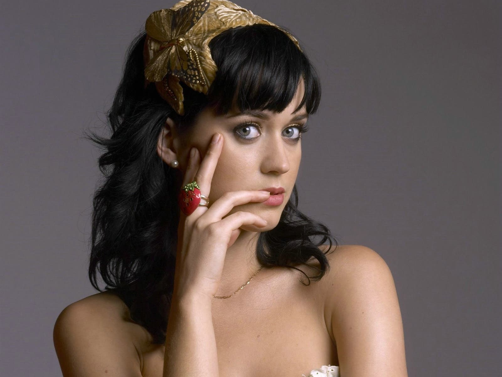 Katy Perry is the front-runner to this year's MTV Video Music Awards with 9 ...