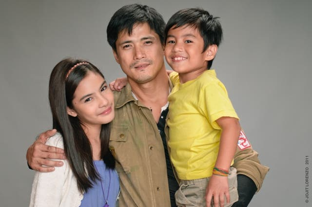 3 Tol with kids Sandy and Ron-ron _JOJITLORENZO1186JPG