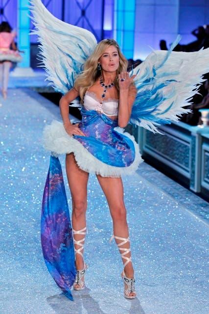 deea845d270 The Victoria s Secret Fashion Show 2011 Sizzles on Velvet