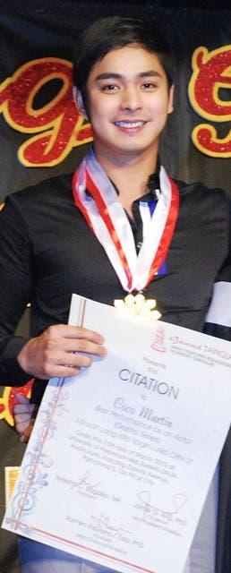 Coco Martin bagged the Natatatanging Aktor ng Dekada in the 2012 Gawad Tanglaw Awards