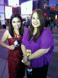 ABS-CBN correspondent Yong Chavez with Jessica Sanchez' mom Edita (photo taken from Yong Chavez' Twitter account)