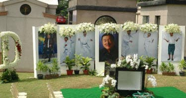 dolphy's tomb