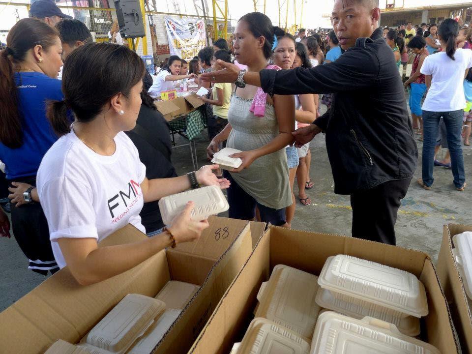 DZMM TLC relief efforts in Kawit, Cavite (2)