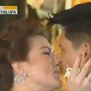 Carmina and Zoren's first kiss as husband and wife