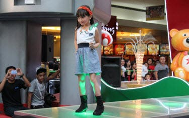 Kids Fashion Show Songs with Christmas songs