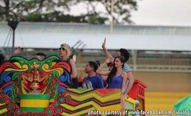 SINULOG_Vice Ganda, Kim Chiu, Xian Lim, Enchong Dee, Richard Yap and Ryan Bang joined the '60 Years of Phl Television' float_1