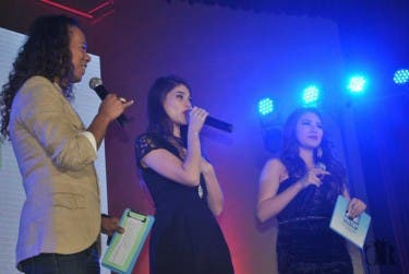 Anne Curtis with hosts Jimmy Santos and Petra Mahalimuyak