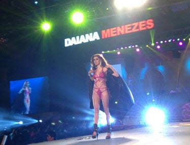 FHM Daiana Meneses
