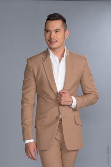 Jake Cuenca as Luis