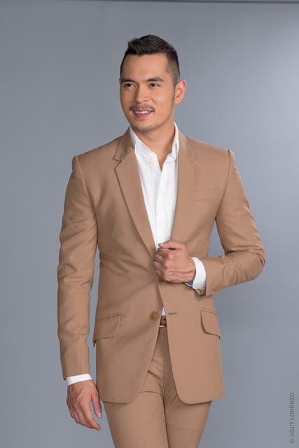 Jake Cuenca as Luis