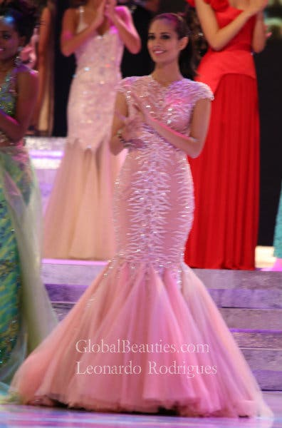 Megan Young in her Francis Libiran evening gown. Photo: Leonardo Rodrigues of GlobalBeauties.com