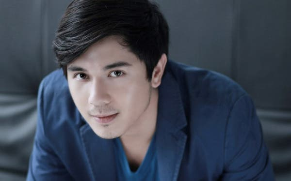 Do we need to say that Paulo Avelino is handsome in this photo? Paulonatics would definitely agree. (Photo Credit: ABS-CBN)