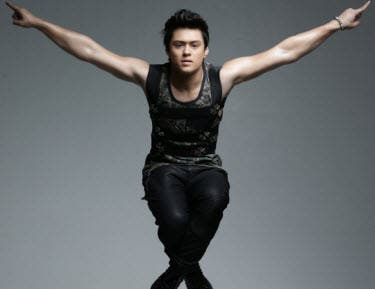 Enrique Gil to Throw a Foam Party at the Big Dome ...
