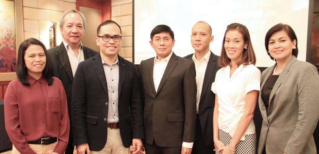 L-R: Eloisa Balmoris - Chief Financial Officer, SkyCable; Raymund Miranda - Chief Strategy Officer/Chief Risk Management Officer; Aldrin Cerrado - Chief Financial Officer; Rolando Valdueza - Head, Corporate Services Group 2/Group Chief Financial Officer, Ricardo Tan - Head, Corporate Treasury; Catherine Uy - Head, Finance Operations, Access/Chief Financial Officer, ABS-CBNmobile; Loraine Atienza - Head, Controllership