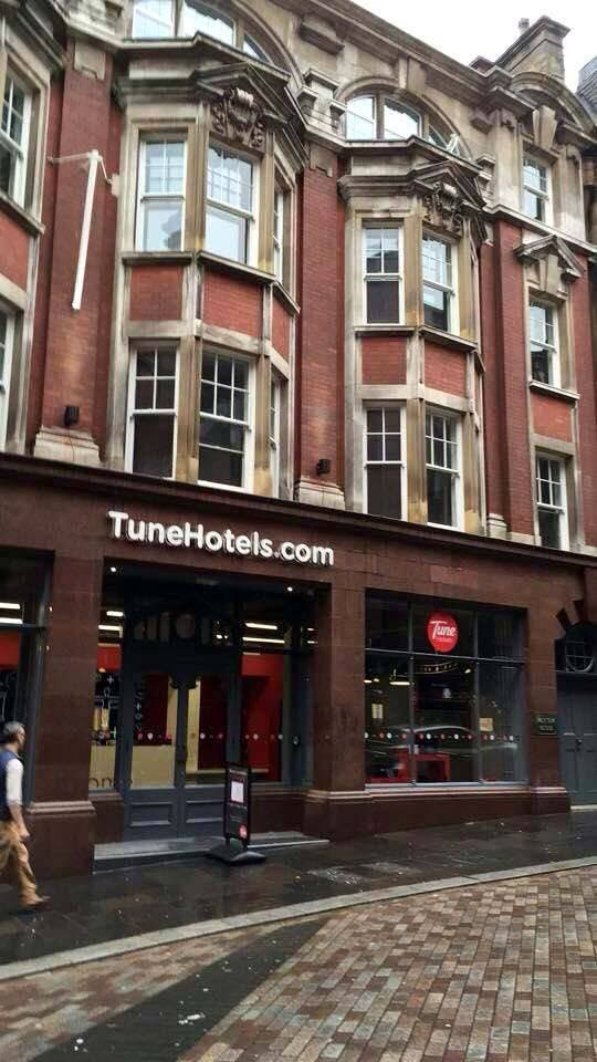tune hotel newcastle in uk now open starmometer. Black Bedroom Furniture Sets. Home Design Ideas