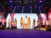 Singer Jonalyn Viray with the FDI Models