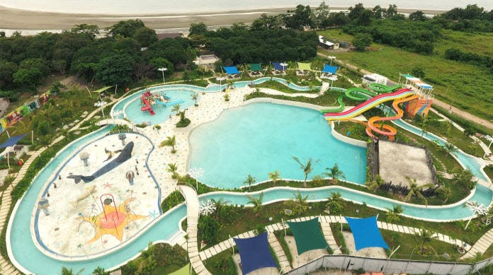 Astoria Palawan's 1-hectare Waterpark has majestic water geysers, bamboo water cannons, splash pads, wave pools and stunning artwork of Palawan's endemic flora and fauna and a 2-meter high corkscrew slide, which will surely provide endless fun for adults and children.