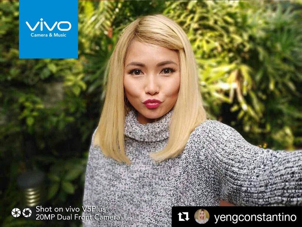 Singer-song writer Yeng Constantino enjoys her selfie moment and applies the Vivo V5 Plus' true bokeh effect to beautifully blur her background.