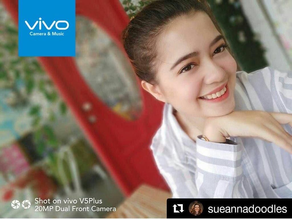 Actress Sue Ramirez captures a beautiful selfie using the Vivo V5 Plus perfect selfie phone.